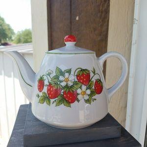 Other - Vintage ceramic teapot Strawberry Design